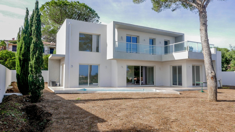 Contemporary new build villa with small sea view and just 300m from the beach