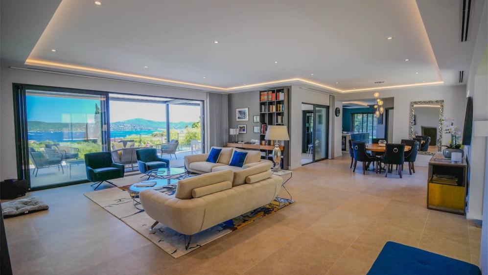 Magnificent high quality modern villa with stunning views of Saint Tropez