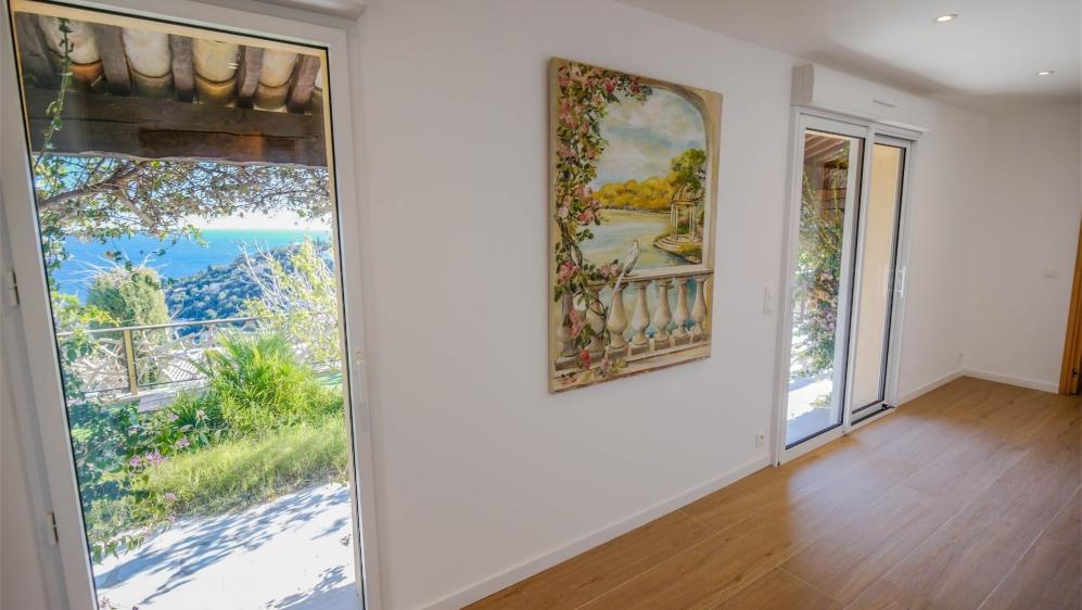 Beautiful fully renovated villa with enchanting sea views