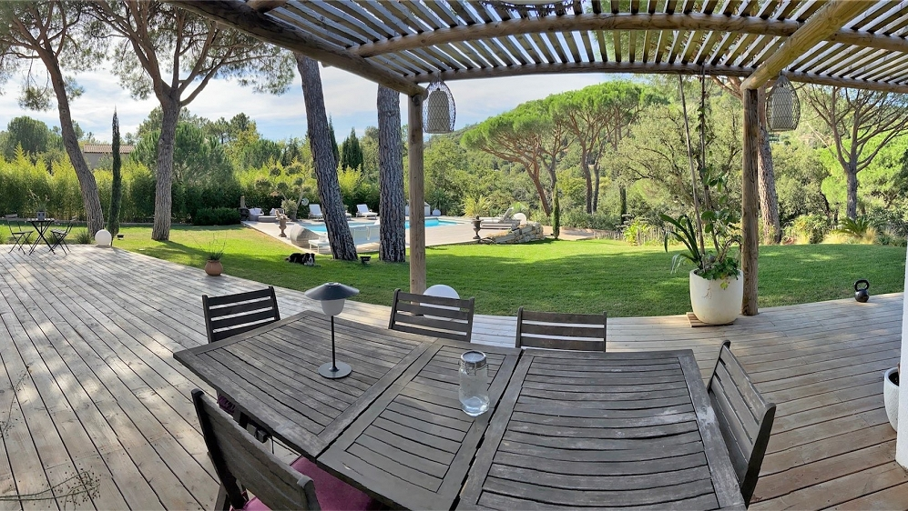 Lovely family home close to the beach on the village of Grimaud