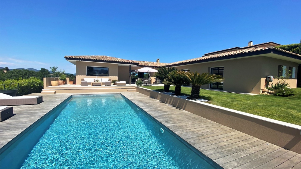 Zeer comfortable moderne villa met schitterend uitzicht over de wijnvelden