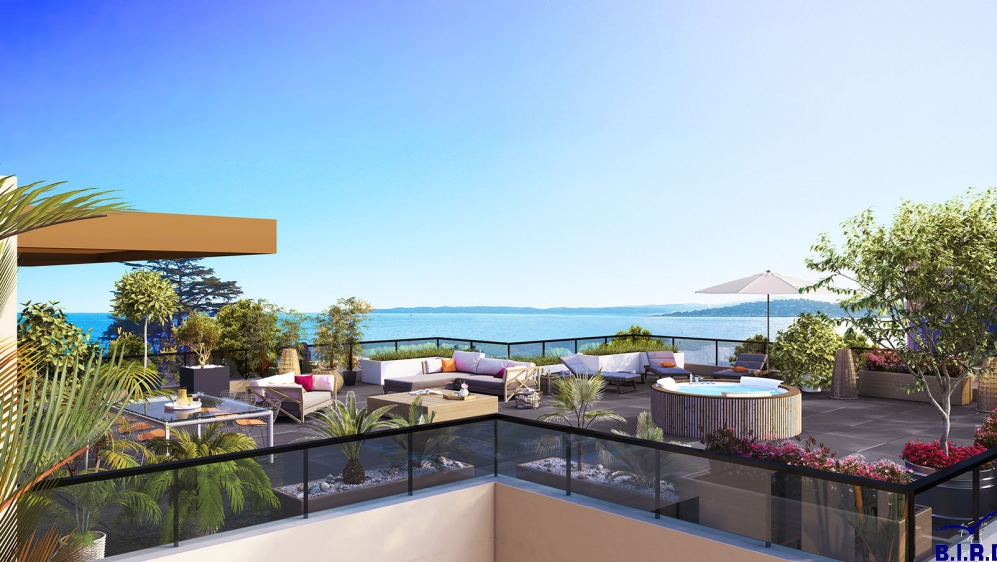 Stunning contemporary penthouse with panoramic sea view close to the beach and Marina