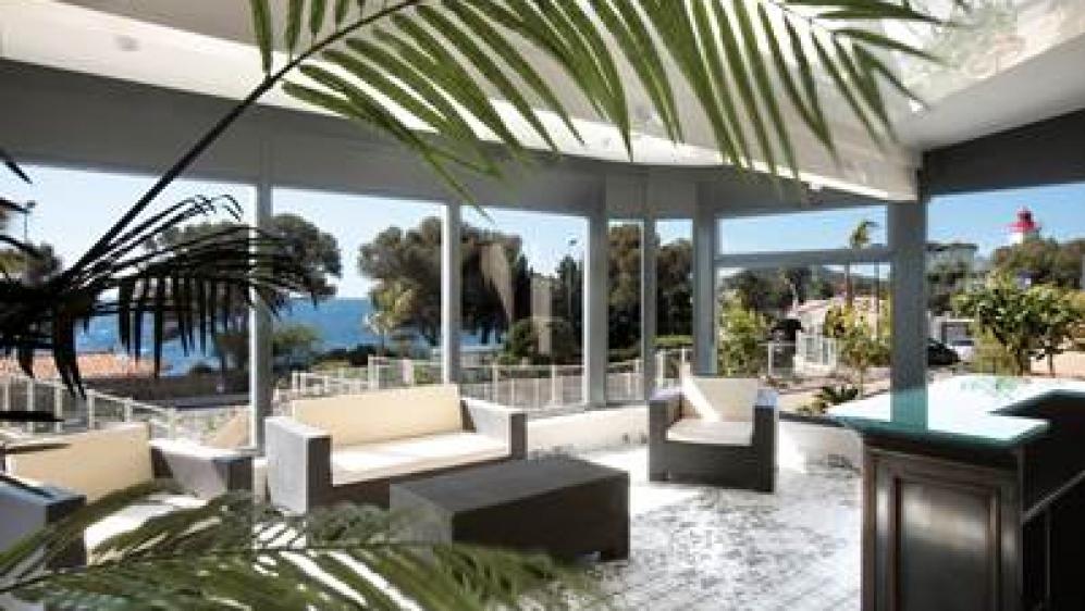 Fantastische penthouse direct aan zee