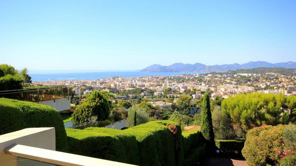 Magnificent apartment in Cannes with sea view