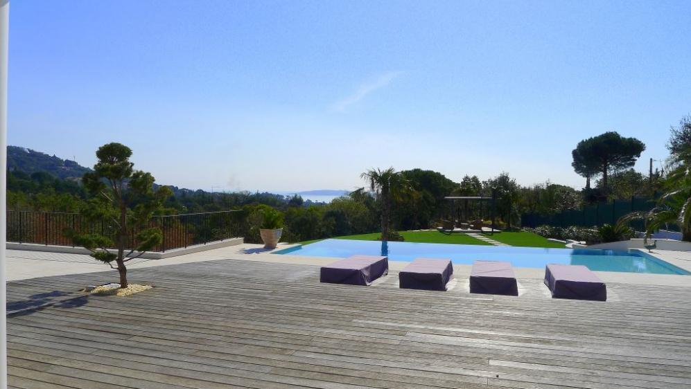 Fenomenale moderne villa met schitterend zeezicht