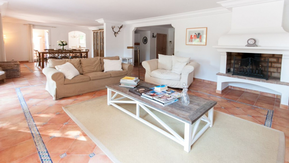 Wonderful large bastide with plenty of charm