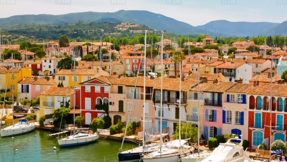 New build villas and appartments walking distance to Port Grimaud