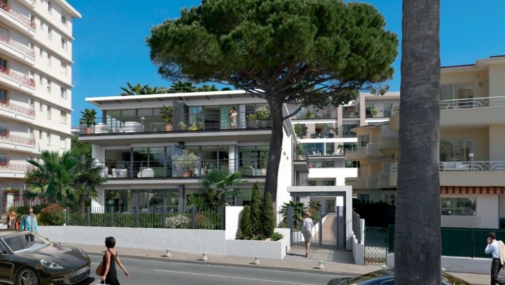 Modern apartments on the sea front Juan les Pins
