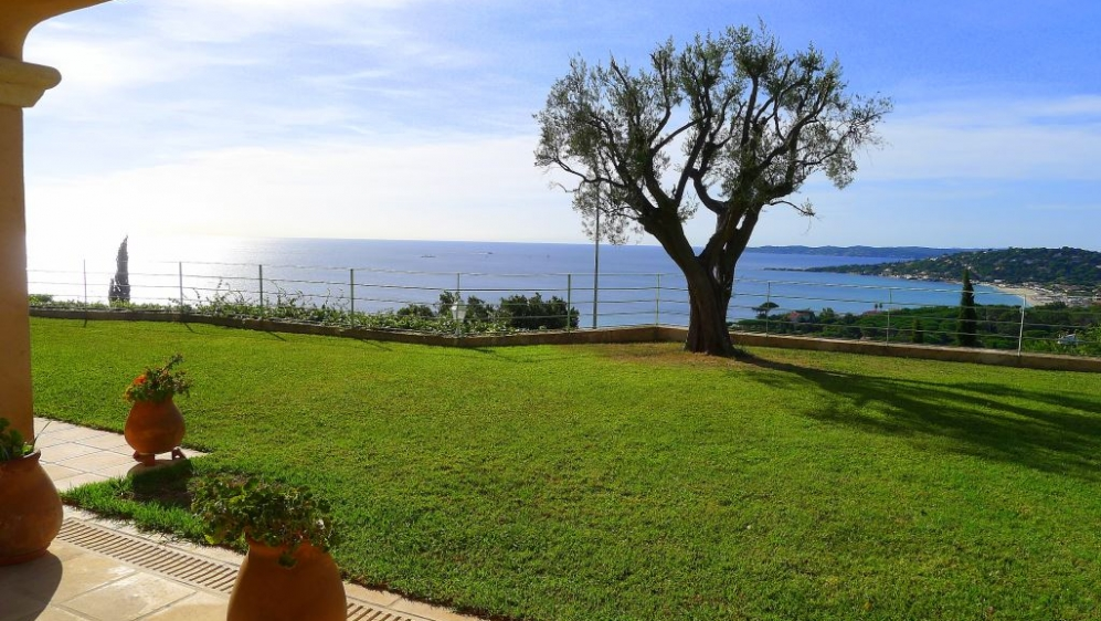 Top quality villa with breathtaking Sea view