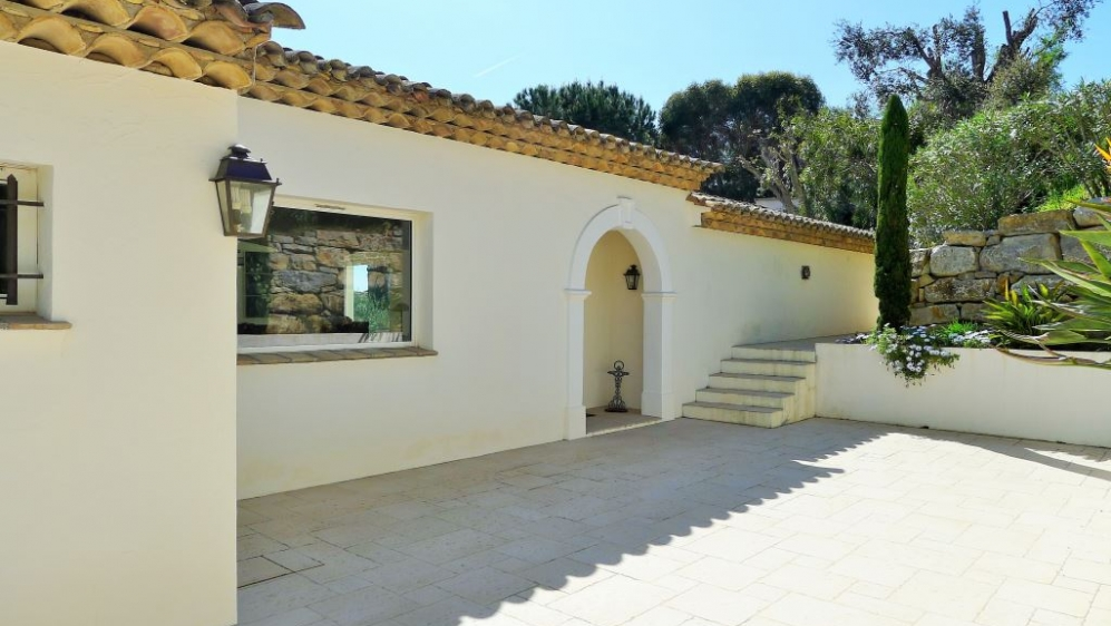Beautiful Provencal villa with panoramic sea views