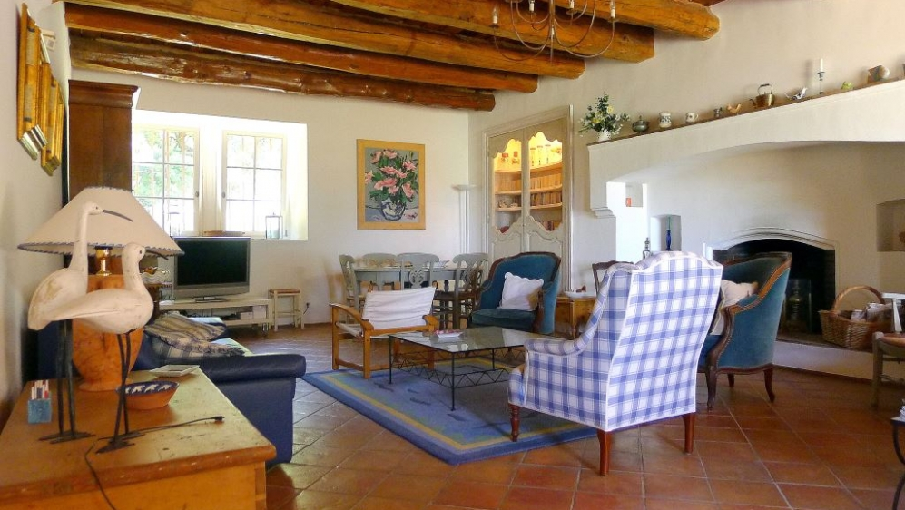 Authentic Provencal farmhouse with stunning sea views