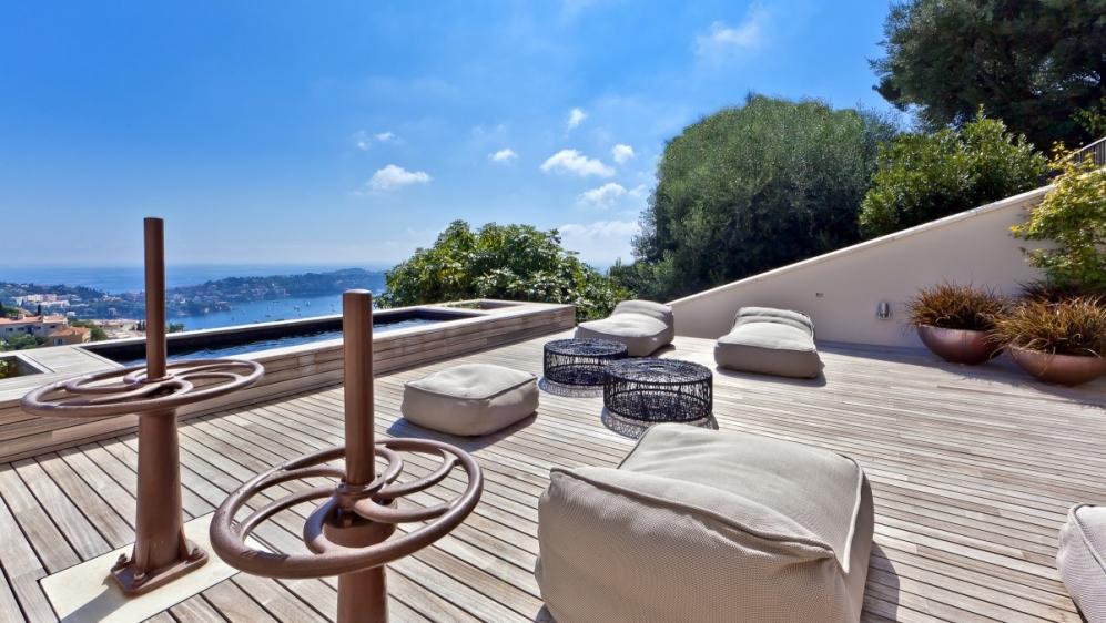 Exceptionele industriele loft met uitzicht op Cap Ferrat