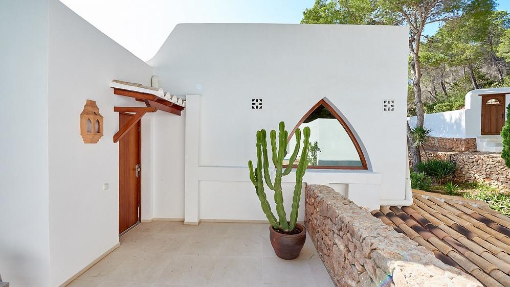 Zeer mooie Ibiza villa met schitterend zeezicht en verhuurlicentie
