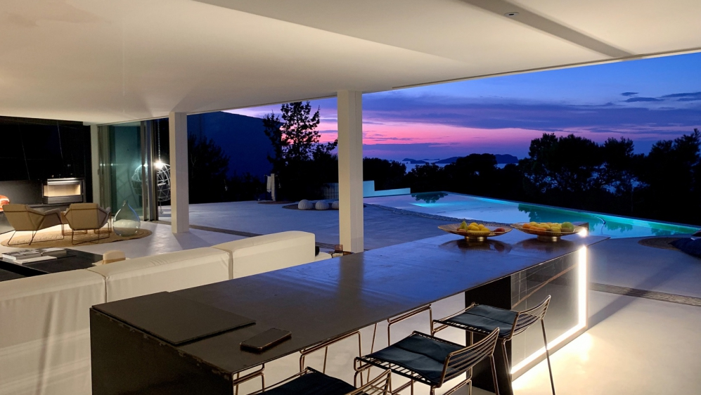 Spectaculair contemporary designer villa with magnificent sunset views in Cala Molí
