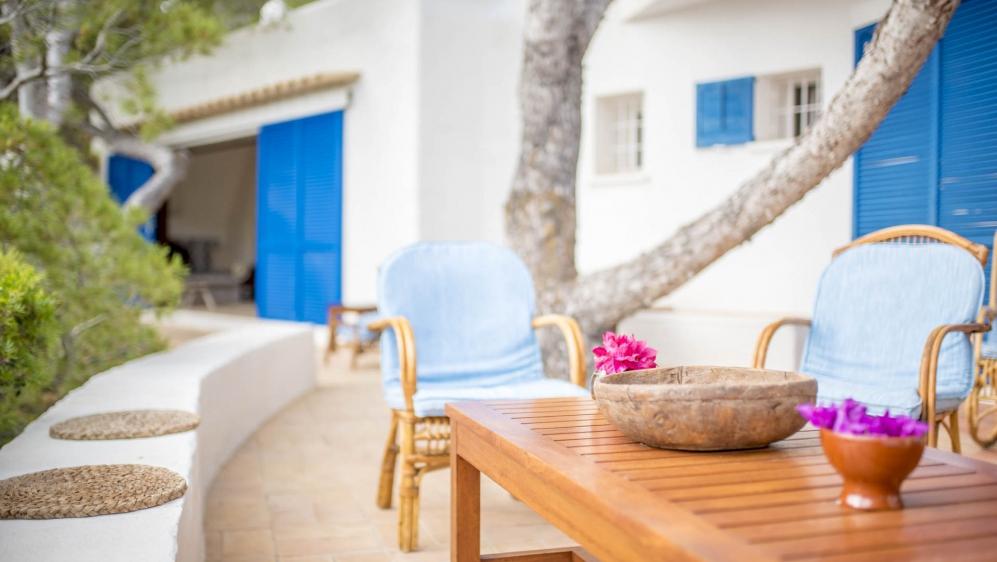 Super charmante Ibiza villa met schitterend zeezicht en privé toegang tot de zee