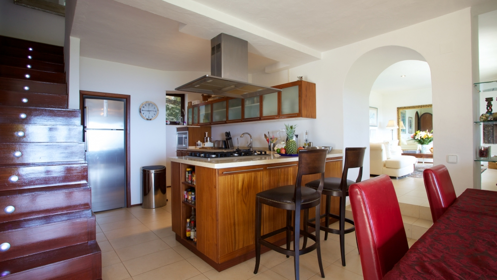 Lovely villa with sea view and touristic rental license in Roca Llisa