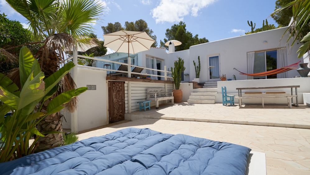 Lovely Ibiza style house within easy walking distance to Cala Vadella beach