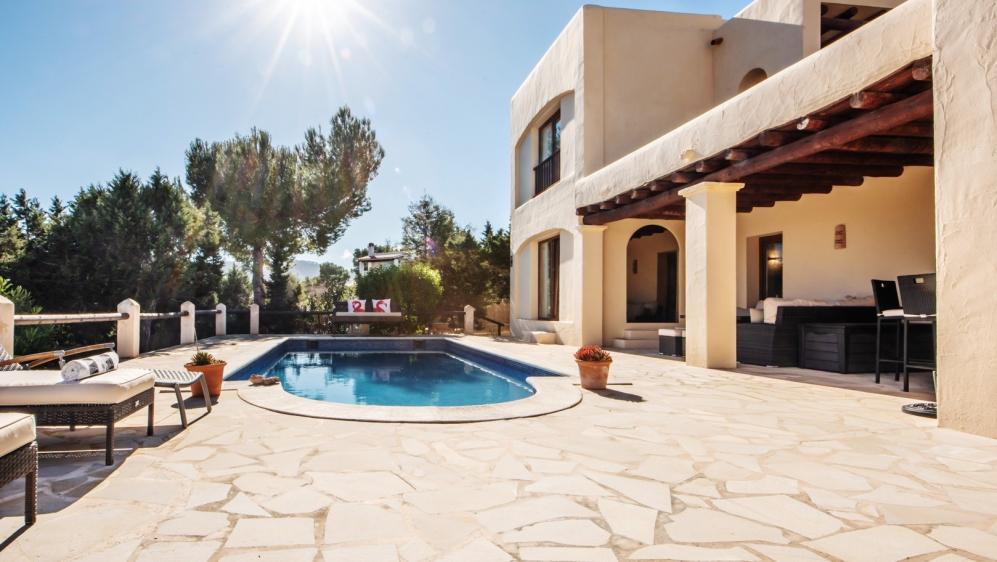 Sfeervolle Ibiza villa dichtbij het strand van Cala Bassa