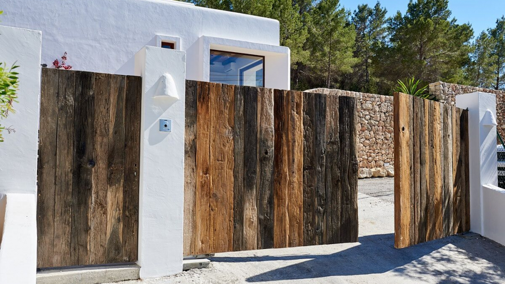 Zeer mooie en sfeervolle gerenoveerde moderne finca dichtbij San José
