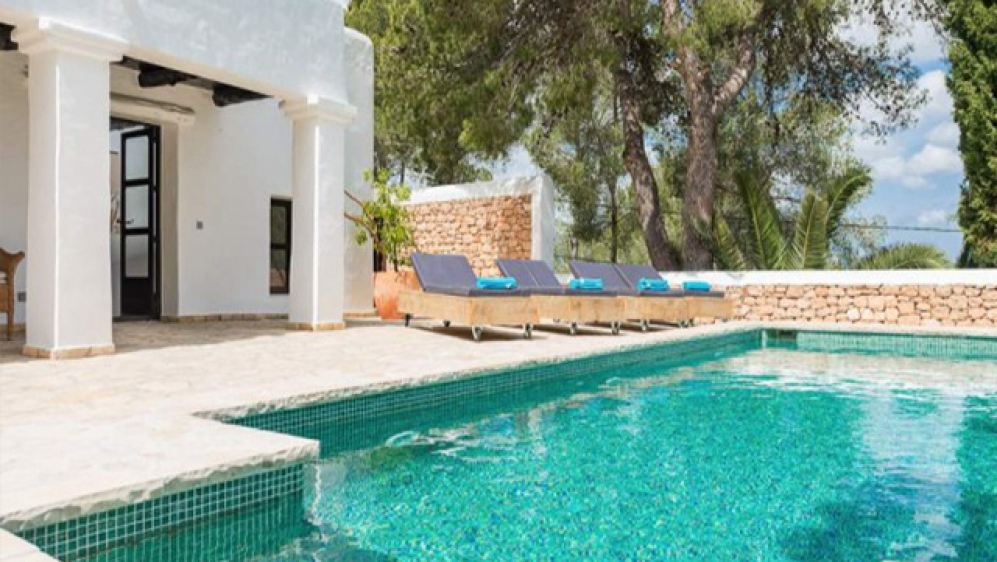 Lovely renovated Ibiza style property with valid touristic license