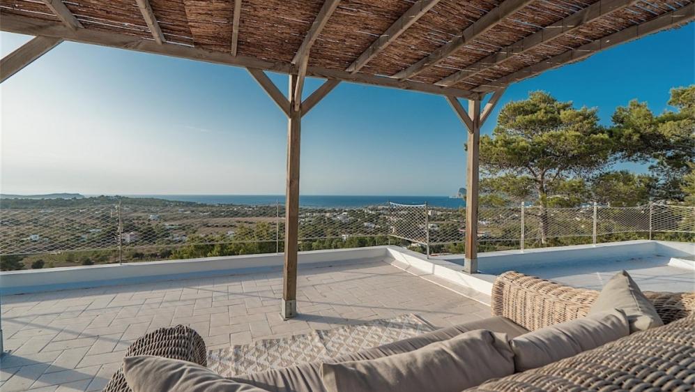 Sfeervolle gerenoveerde zeezicht villa bij Cala Bassa