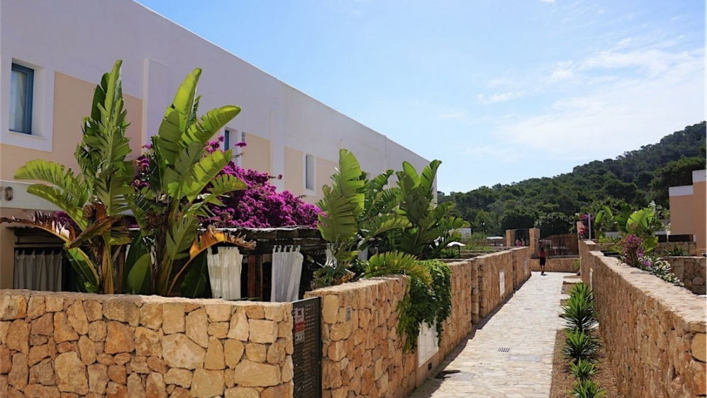 Beautiful townhouses short walk from the beach